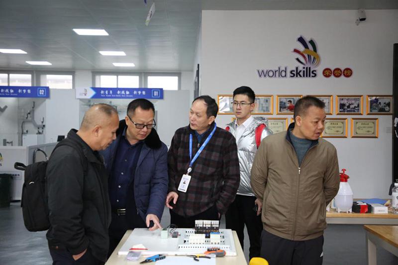 广西百色工业技工学校来访